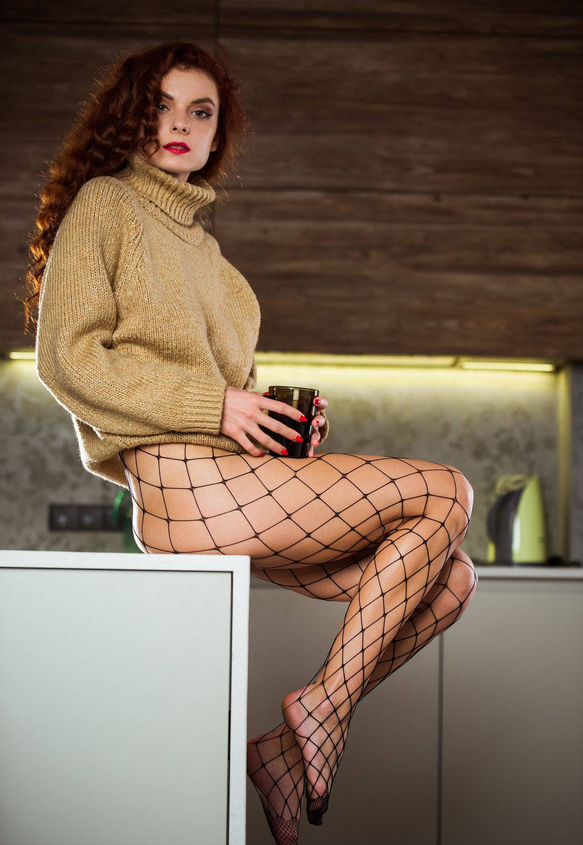The sexy thing in the long sleeved sweater takes off clothes[20P]